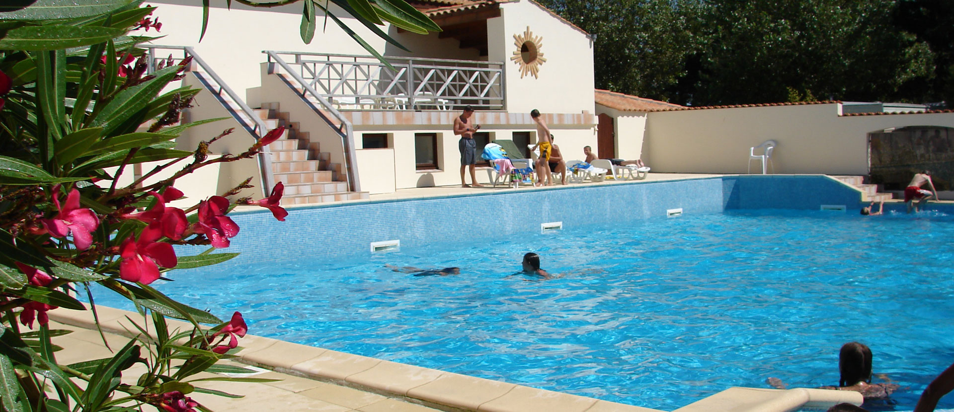 Perfect Relax In Our Outdoor Swimming Pool In Saint Denis Du0027Oléron